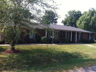 407 S A St, Bartelso, IL 62218