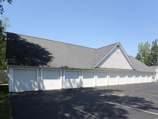 5 Autumn Creek Ln, East Amherst, NY 14051