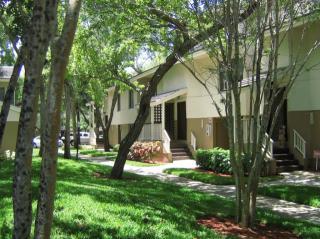 1171 Lakepointe Lndg, Plantation, FL 33322