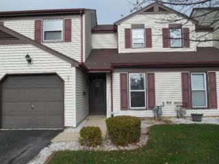 831 Minnesota Circle, Carol Stream IL