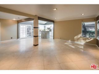 13923 Peach Grove St, Sherman Oaks, CA 91423