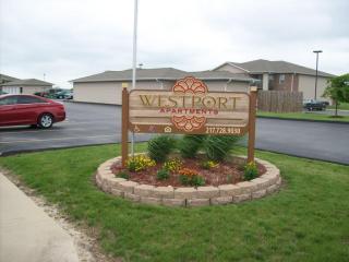 2 Westport Dr, Sullivan, IL 61951