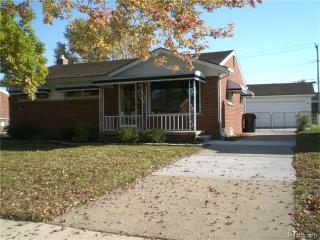 3945 Grange Rd, Trenton, MI 48183