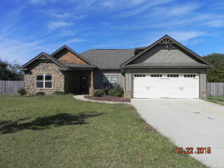 9 Talon Ct, Fort Mitchell, AL 36856
