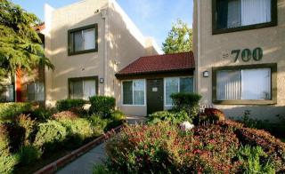 700 W Avenue I, Lancaster, CA 93534