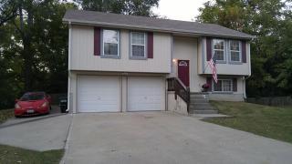 1014 Cherokee St, Leavenworth, KS 66048