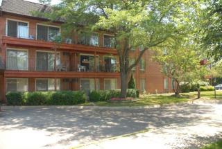 1445 S Lorraine Rd, Wheaton, IL 60189
