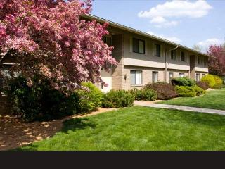 300 Castle Dr, Bethel Park, PA 15102