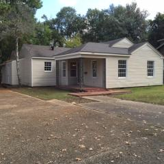204 N Second Ave, Cleveland, MS 38732