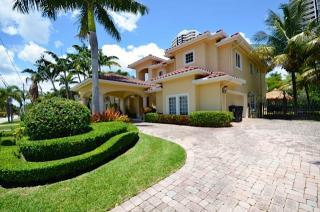 3463 NW 171st St, Miami Gardens, FL 33056