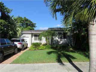 3527 Vista Ct, Coconut Grove, FL 33133