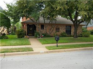 916 Country Club Lane, Fort Worth TX