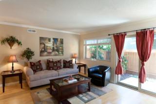 805 W Stevens Ave, Santa Ana, CA 92707