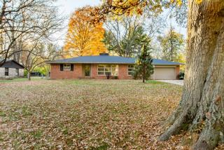 7944 Meadowbrook Drive, Indianapolis IN