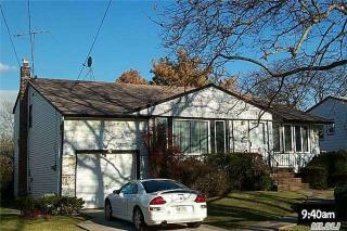 526 Cedarwood Dr, Cedarhurst, NY 11516