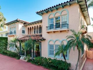 424 Seaspray Ave, Palm Beach, FL 33480