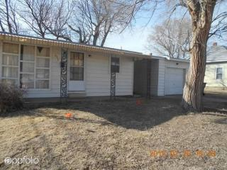 613 N Walnut St, Hoisington, KS 67544
