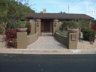 7138 E Orange Blossom Ln, Paradise Valley, AZ 85253
