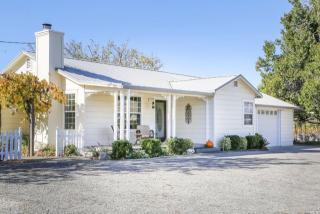 824 Crocker Rd, Cloverdale, CA 95425