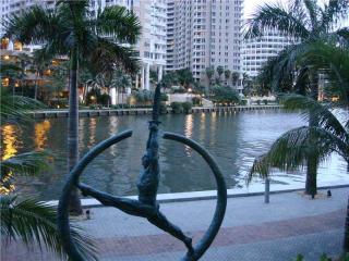465 Brickell Avenue #1502, Miami FL