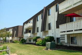 4749 Oak Point Rd, Lorain, OH 44053