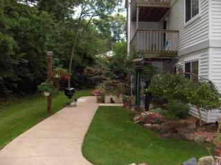 3614 Pine Oak Ave SW #104, Wyoming, MI 49509