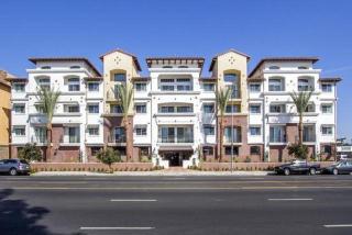 21501 Roscoe Blvd, Canoga Park, CA 91304