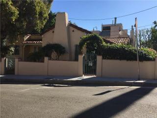 8838 Betty Way, West Hollywood, CA 90069