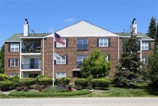 450 Sullivan Lake Blvd, Lakemoor, IL 60051