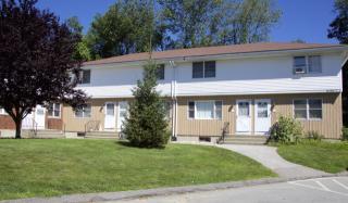 112 Brown Ave, Jewett City, CT 06351