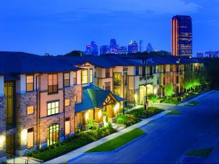 2707 N Fitzhugh Ave, Dallas, TX 75204