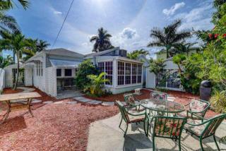 219 33rd St, West Palm Beach, FL 33407