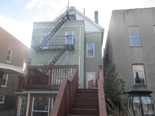426 75th St, North Bergen, NJ 07047