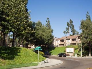 2450 Hilton Head Pl, El Cajon, CA 92019