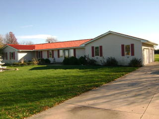 163 Chicago Rd, Paw Paw, IL 61353