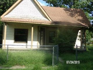 910 Walker Ave, Caruthersville, MO 63830