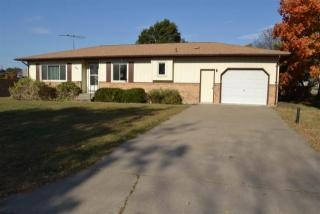 121 N Norton Ave, Nortonville, KS 66060