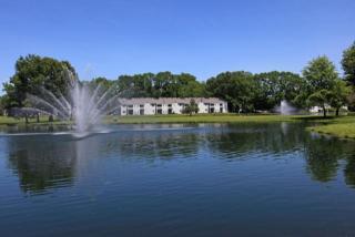 1 Lakeview Dr, Clifton Park, NY 12065