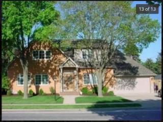 303 N Mill Rd, Wood Dale, IL 60191