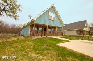 10910 Shady Oaks Dr, Runaway Bay, TX 76426