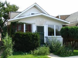 8145 S Bennett Ave, Chicago, IL 60617
