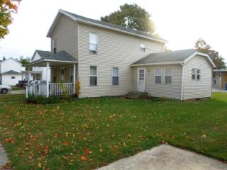 416 Fourth St, Howe, IN 46746