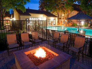 1600 Villa St, Mountain View, CA 94041