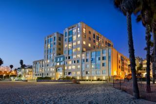 1725 Ocean Front Walk, Santa Monica, CA 90401