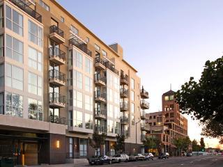 1389 Jefferson St, Oakland, CA 94612