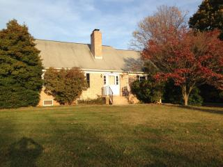 10125 Johns Dr, Damascus, MD 20872