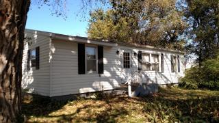 323 Oak St, Elma, IA 50628