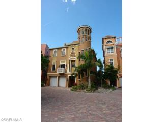 5344 Barefoot Bay Court, Bonita Springs FL