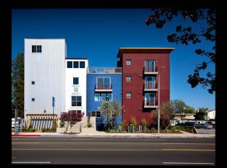 18452 Halsted St, Northridge, CA 91325