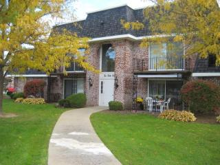 220 Countryside Ln, Orchard Park, NY 14127